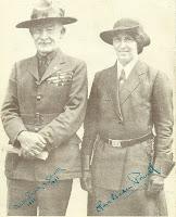 Esta foto de nuestro fundador Baden-Powell y su esposa Olave, fue enviada a nuestro Grupo por un antiguo miembro desde la Oficina central de The Scout Association en el Reino Unido