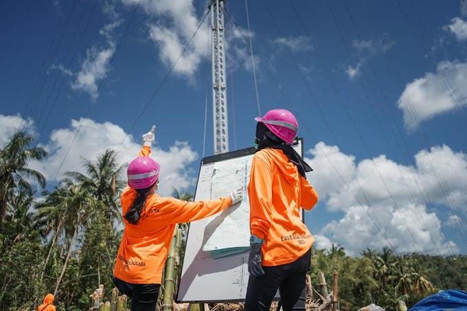 Kiprah Dua Srikandi PLN, Ikut Dirikan Tower Listrik Darurat di NTT