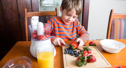 10 nutrients that every child needs
