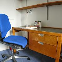 Room T-desk