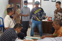 Tidak Terima hasil Tes Penjaringan atau penyaringan perangkat Desa, Nur Jubaidi Bersama Kuasa Hukumnya Luruk Desa Sumbersuko