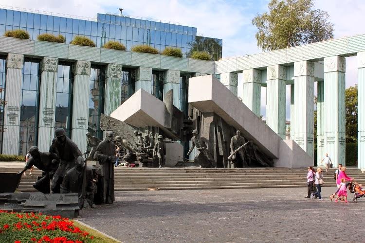 Monumento al Alzamiento de Varsovia de 1944