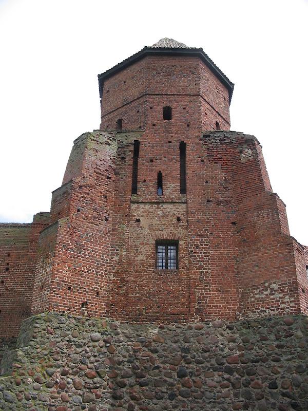 Widok na zamek z boku