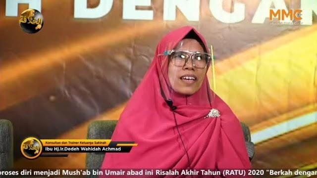 Ustazah Dedeh Wahidah: Tidak Ada Harapan dalam Demokrasi, Solusinya Dicabut dan Diganti!