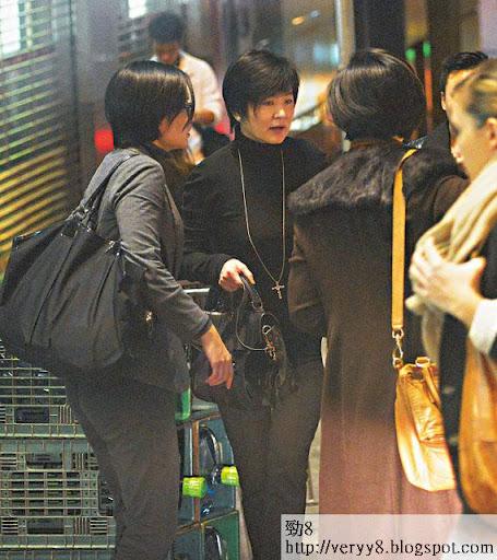 剪短咗頭髮嘅林青霞,除咗面肉唔夠緊緻,其他完全唔似 58歲。