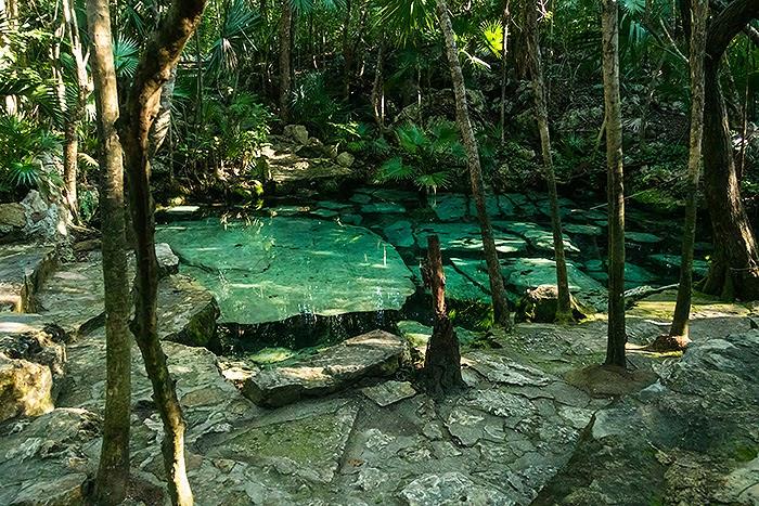 CenoteAzul10.jpg