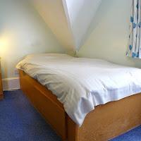 Room U-bed