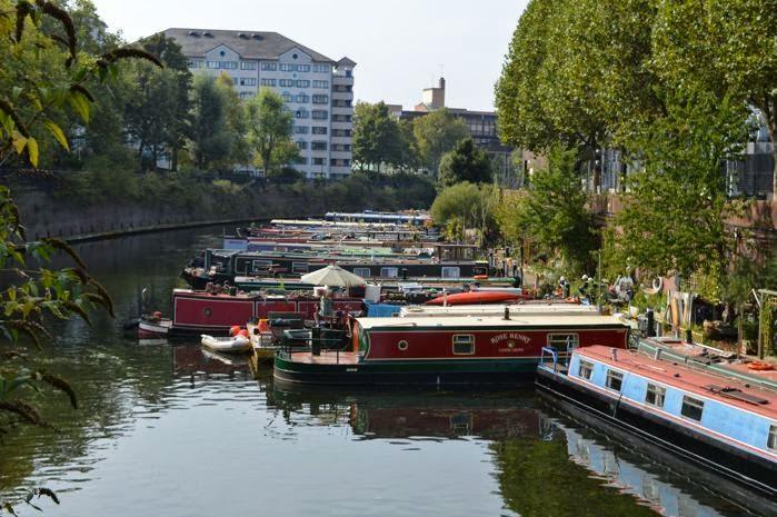 Embarcaciones en los canales de Little Venice