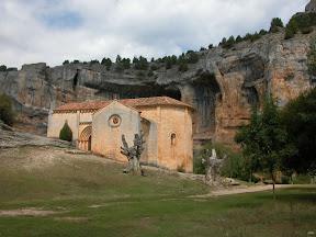 La Ermita de San Bartolomé en El Cañón del Río Lobos