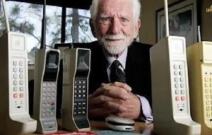 मोबाइल का अविष्कार किसने और कब किया था ?
