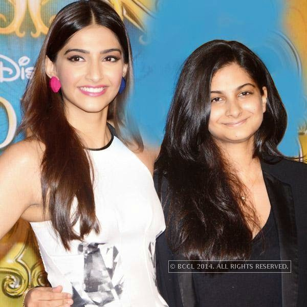 Rhea along with her sister Sonam during the trailer launch of the film Khoobsurat.