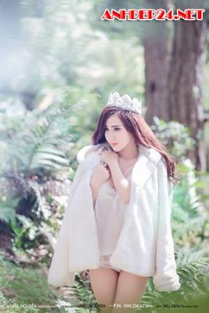 Ngắm gái xinh lộ hàng - Tăng Thiên Kim