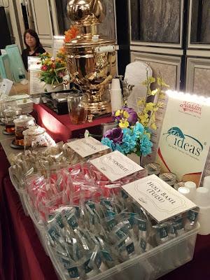 Tea Ideas offers tea wands instead of tea bags.
