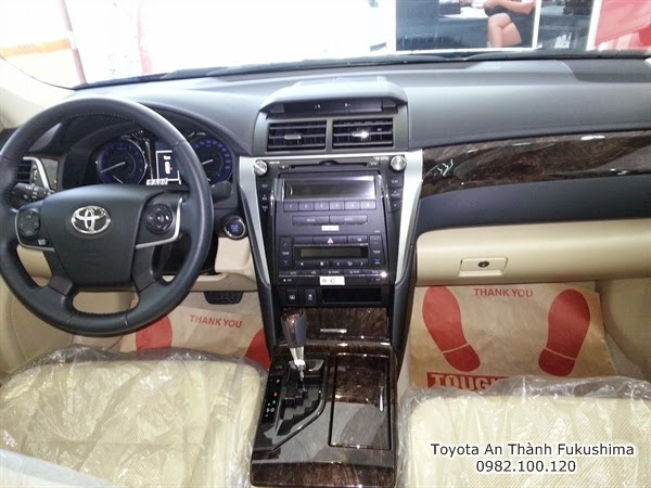 Khuyến Mãi Giá Xe Toyota Camry 2.5G 2015 2