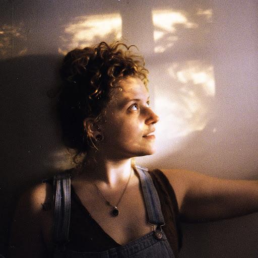 Jessica Collin Photo 11