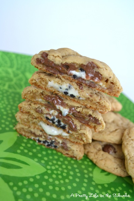 Cookies n' Creme Stuffed Oatmeal Cookies