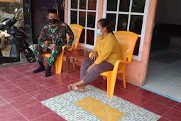 Kompi Senapan A Batalyon Infanteri 642/Kapuas memberikan penyuluhan Covid -19 Dengan Cara Rumah Kerumah Di Sekitar Dusun Sidomulyo Kec. Nanga Pinoh Kab. Melawi