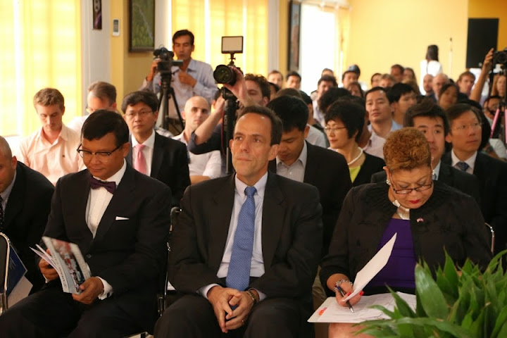I was joined at the launch by Minister of Education Hang Chuon Naron and USAID Acting Assistant Administrator for Asia Denise Rollins.