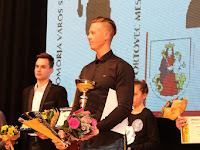 12 Zalka Csaba kapta a legjobbnak járó díjat - a háttérben Egyenes Pörsök Henrik.jpg