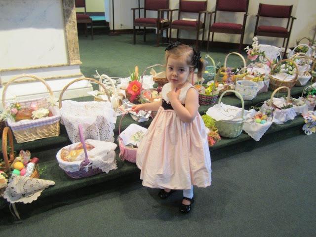 Błogoslawienie pokarmów w kościele MOQ, Norcross. Ks. Piotr Nowacki. zdjęcia E. Gürtler-Krawczyńska - 008.jpg