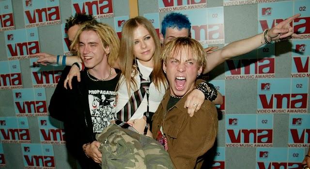 Avril Lavigne regresa a los MTV VMA este año confirma People Magazine