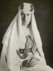 LAWRENCE OF ARABIA USING COMPASS LIKEONE WE HAVE - 220px-With_Lawrence_in_Arabia.jpg