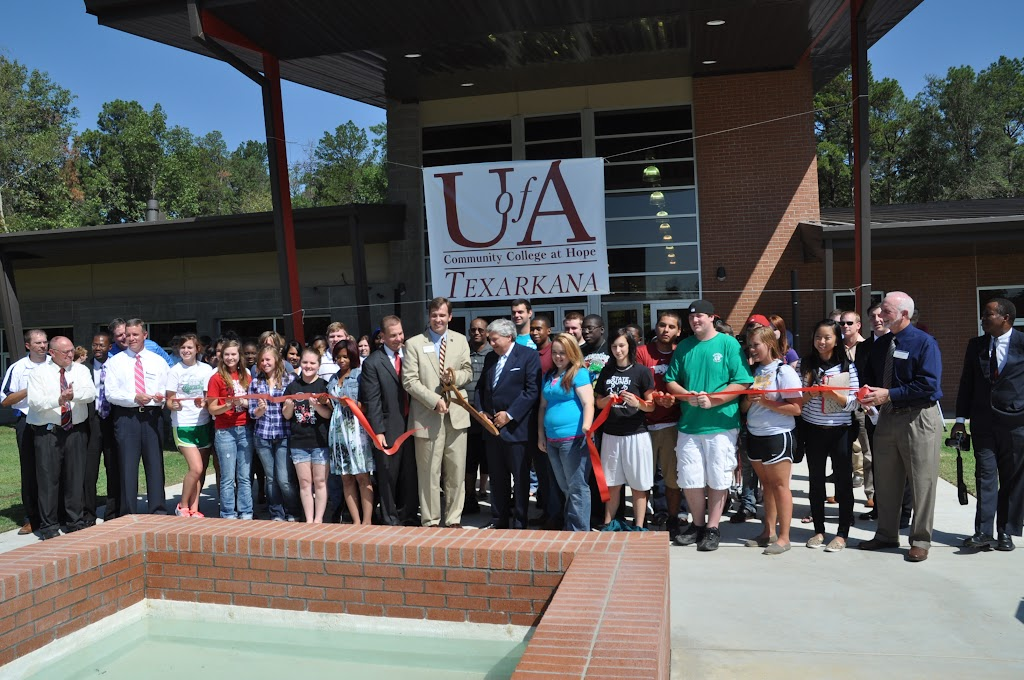 UACCH-Texarkana Ribbon Cutting - DSC_0413.JPG