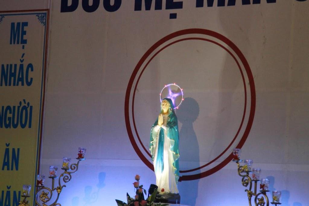 Giáo xứ Phước Hải khai mạc tháng Mân Côi