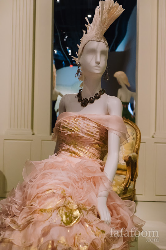 Oscar de la Renta, Evening dress, Spring 2011.