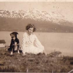 Mamma utafor hjemstedet sitt i Folvik