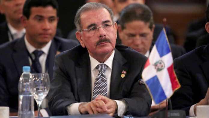 """Impedimento de salida y multa de RD$50 mil a hombre que llamó """"traidor"""" a Danilo por tema haitiano"""