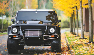 Classic 1990 Lamborghini LM002 SUV auctioned at $467,000