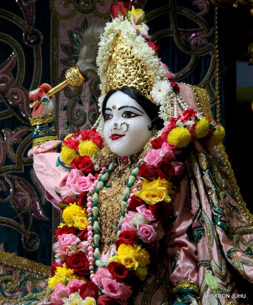 ISKCON Juhu Sringar Deity Darshan on 25th Oct 2016 (10)