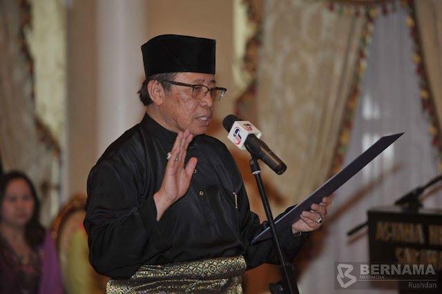 Datuk Amar Abang Johari Tun Openg, 66, hari ini dilantik sebagai Ketua Menteri Baharu Sarawak menggantikan Tan Sri Adenan Satem
