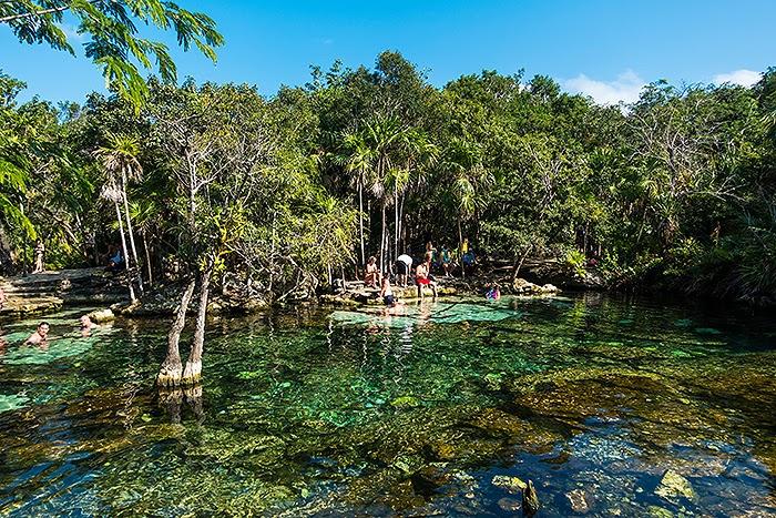 CenoteAzul06.jpg