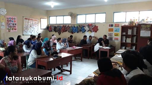 Pelajar Kelas 2 Hingga Kelas 6 SD di Sukabumi Dihukum Merokok, Orang Tua Tuntut Sekolah Minta Maaf