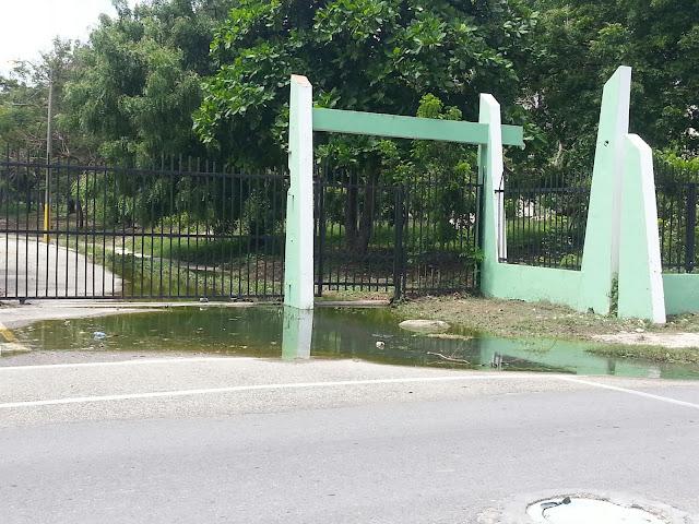 Villa Central: Reimon Volquez denuncia que Explota cloaca próxima al hospital Jaime Sánchez