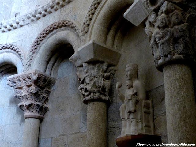iglesia-castillo-loarre.JPG