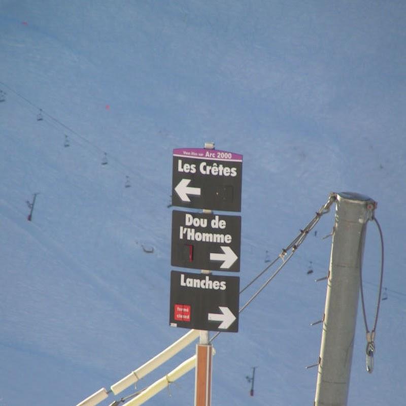 Les_Arcs_18 Aiguille Rouge Piste Signs.jpg