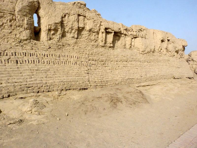 XINJIANG.  Turpan. Ancient city of Jiaohe, Flaming Mountains, Karez, Bezelik Thousand Budda caves - P1270774.JPG