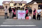 Sat Intelkam Polres Soppeng Beserta Bhayangkari Peduli, Melaksanakan Bagi - Bagi Takjil Buka Puasa