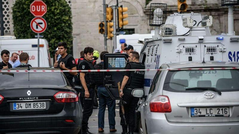 Turquie : un attentat contre le QG de la police a fait au moins huit mort et 45 blessés.