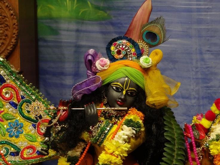 ISKCON Nigdi Deity Darshan 18 Dec 2015 (16)