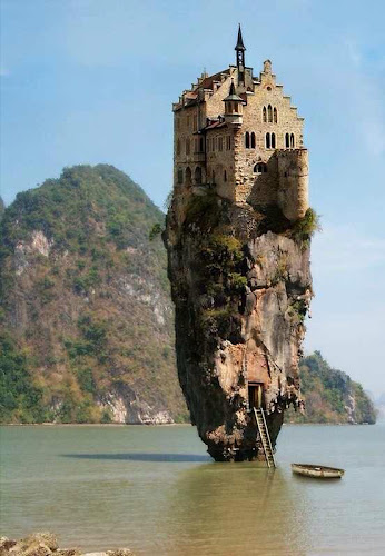 """Castle Rock Ireland"" in Dublin, Thailand, Facebook or Pinterest?"
