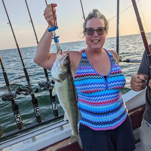 user Julie Hawkins apkdeer profile image