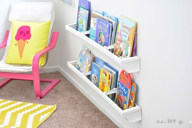 kids-playroom-ideas-reading-nook-Anikas-DIY-Life-4-700