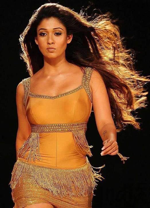 Nayanthara hot in Movie krishnam vande jagadgurum song-Cinemagallop