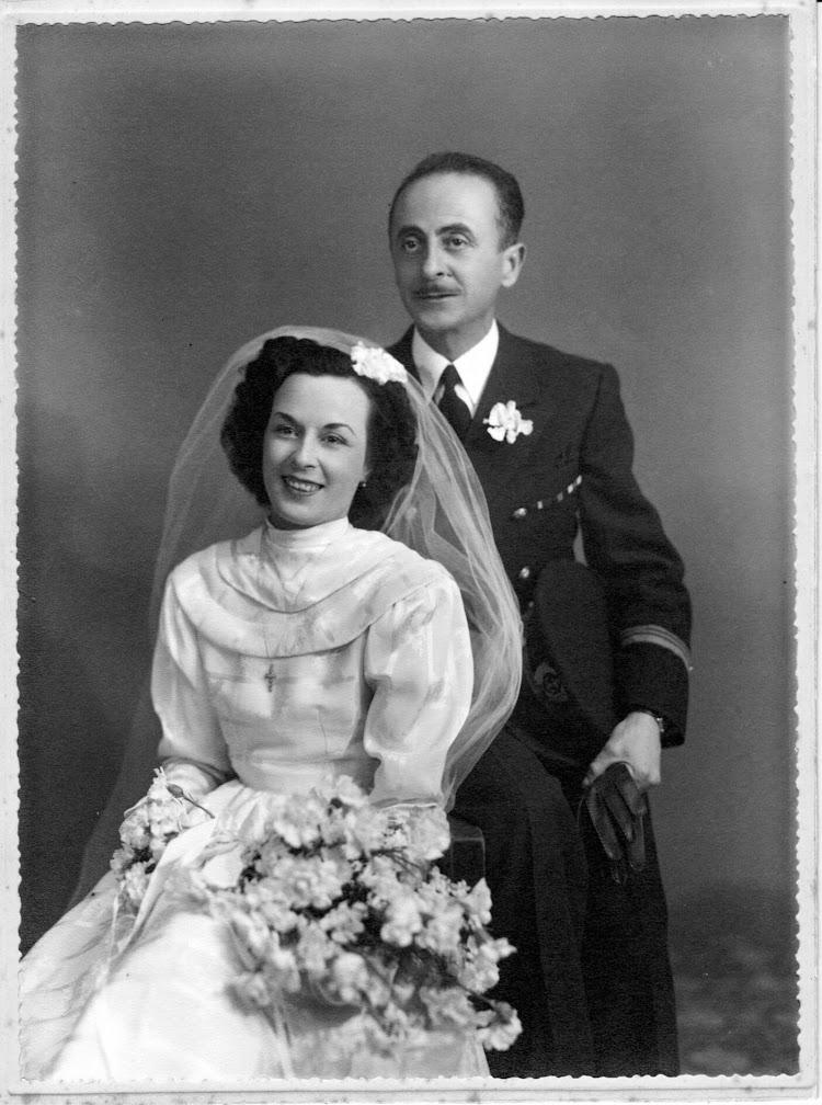 D. Francisco Bellido y Doña Paquita Femenia Colom el dia de la boda. Foto Familia Bellido Femenia.jpeg