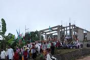 Hujan Tak Kurangi Semangat Umat Muslim Sholat Idul Fitri Di Masjid Baiturrahman