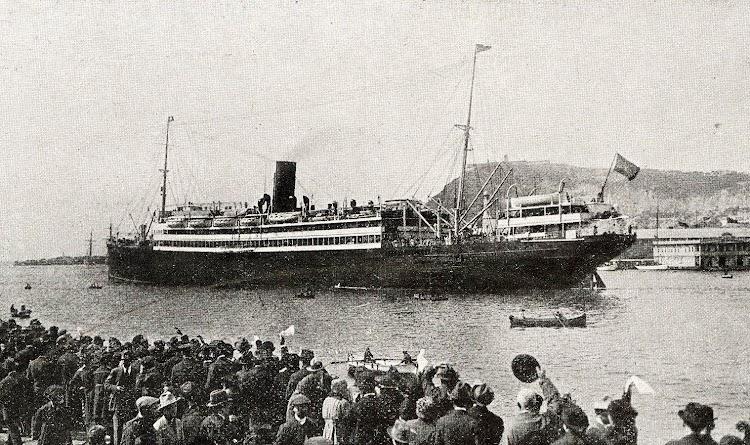 22-INFANTA ISABEL DE BORBON. Puerto de Barcelona. Libro de Información para el Pasajero. Año 1923. CTE.jpg